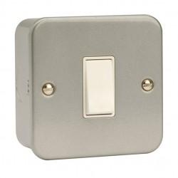 Click Metal Clad 10 Amp 1 Gang 2 Way Switch