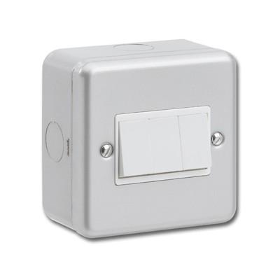 Metal Clad 10AX Light Switch 2-Way 3-Gang