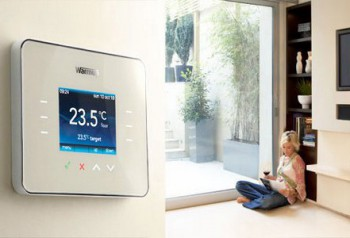 Warmup 3iE Programmable Thermostat in Warm Berry