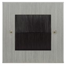 Focus SB Horizon Square Corners NHSCBRUSH.1 single plate with brush aperture in Satin Chrome