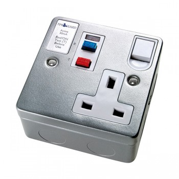 Timeguard TFA03M Tripfast RCD Single Metal Socket - Active