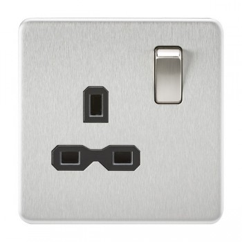 Knightsbridge Screwless Brushed Chrome 13A 1 Gang DP Switched Socket - Black Insert