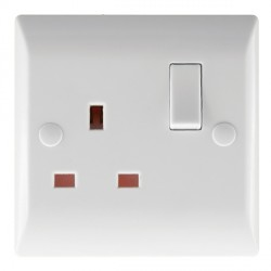 Hamilton Vogue 13A 1 Gang Double Pole Switched Socket