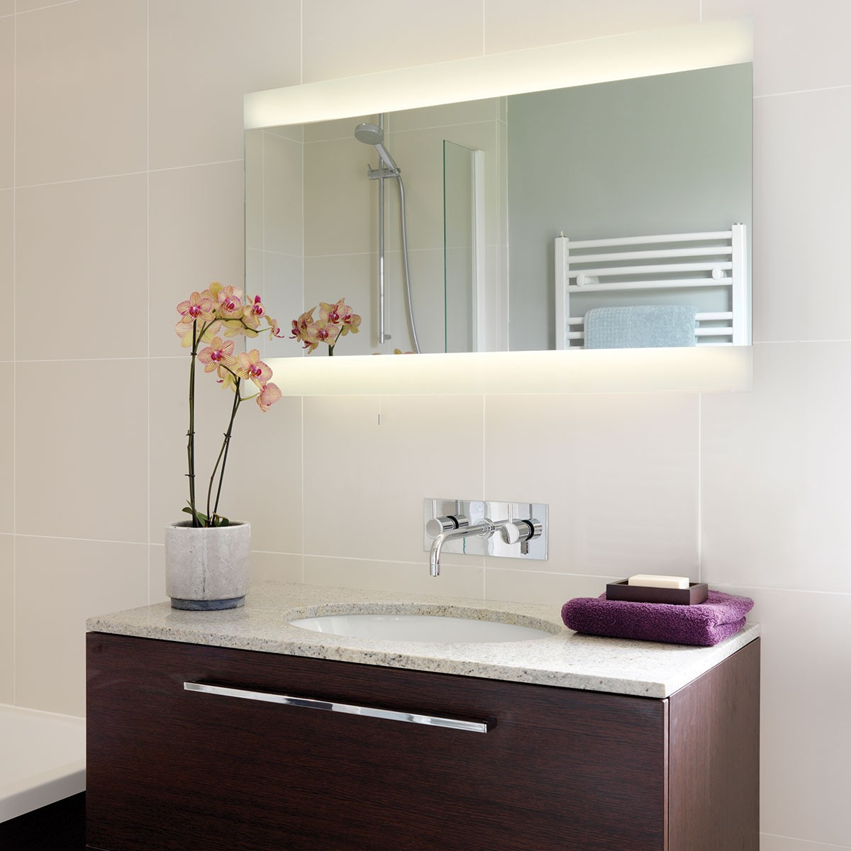 Astro Fuji Wide 950 Bathroom Mirror Light at UK Electrical ...