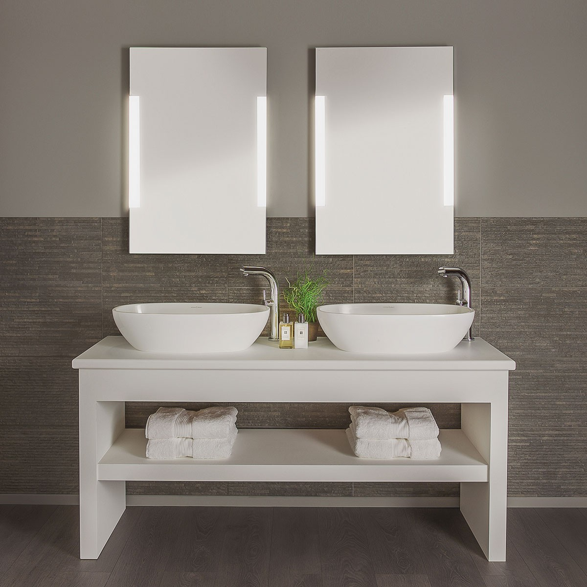 Astro Imola 900 Polished Chrome Bathroom Mirror Light at ...