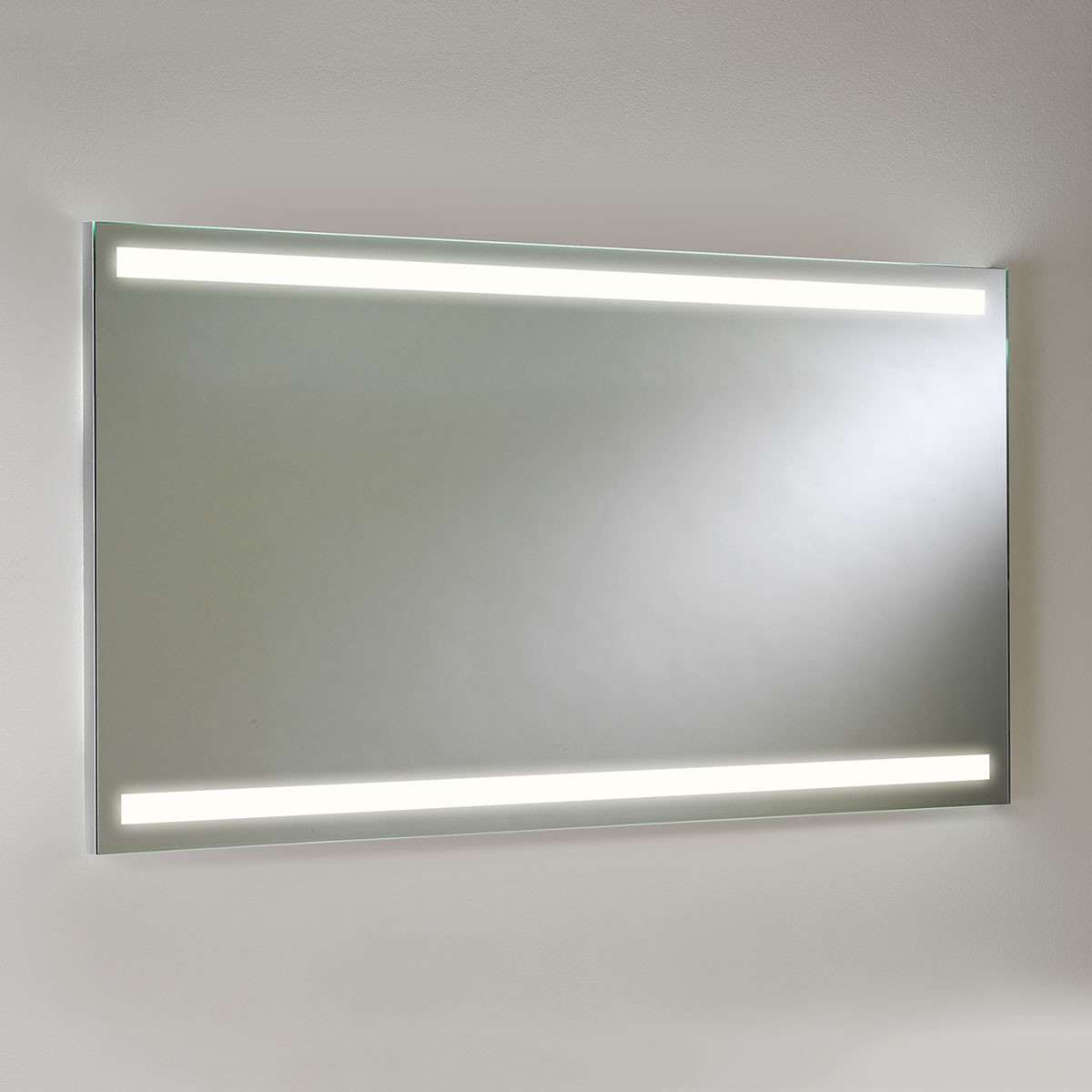 Astro avlon 900 led bathroom mirror light at uk electrical for Miroir salle de bain led