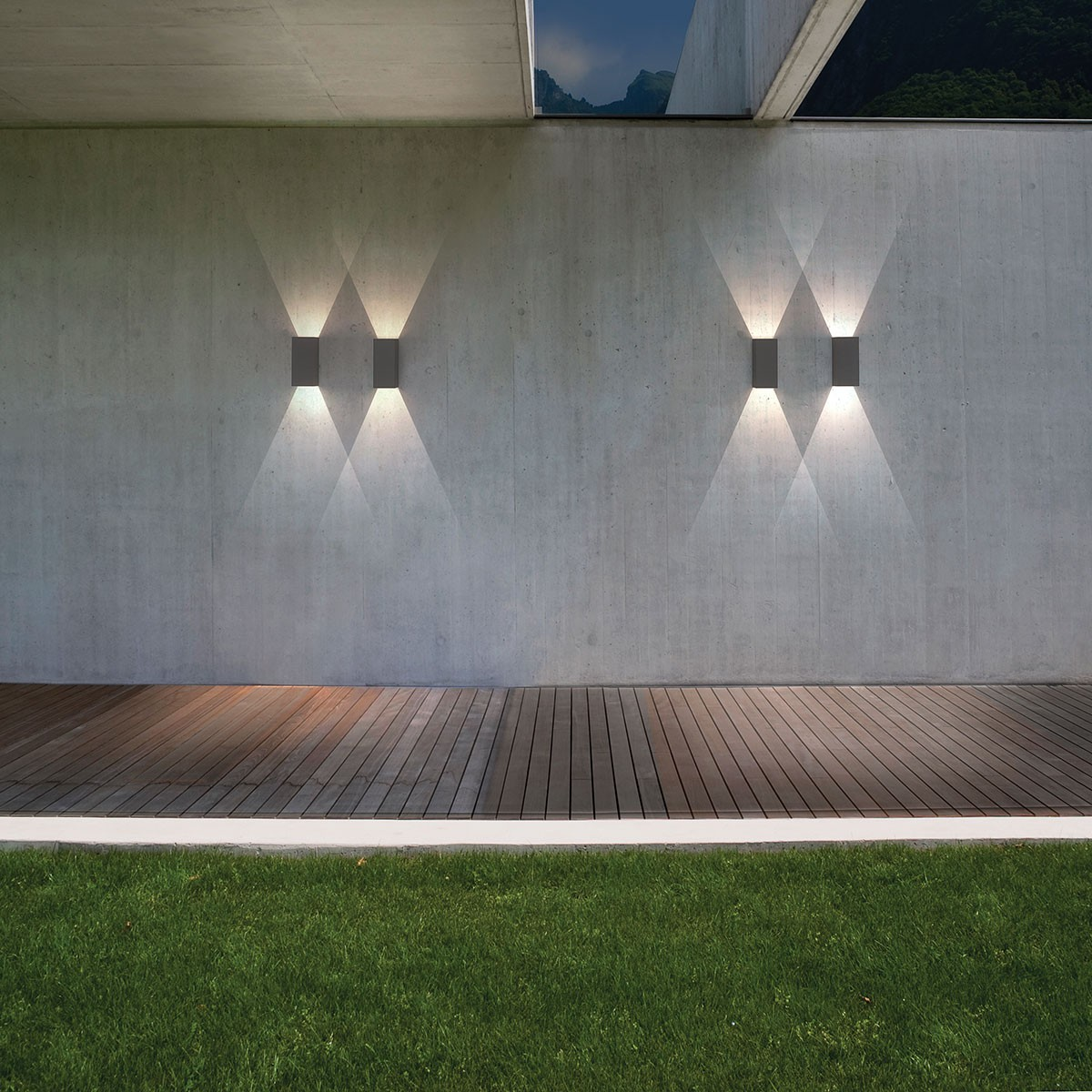 Exterior wall lighting lighting ideas for Luxury exterior lighting