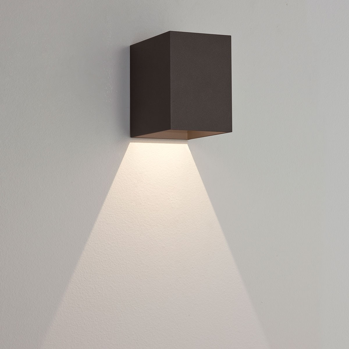 Luxury Outside Wall Lights : Astro Oslo 100 Black Outdoor LED Wall Light at UK Electrical Supplies.