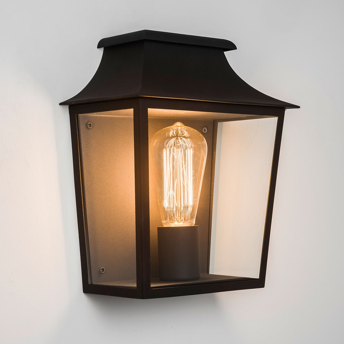 Astro Richmond Black Outdoor Wall Light at UK Electrical Supplies.