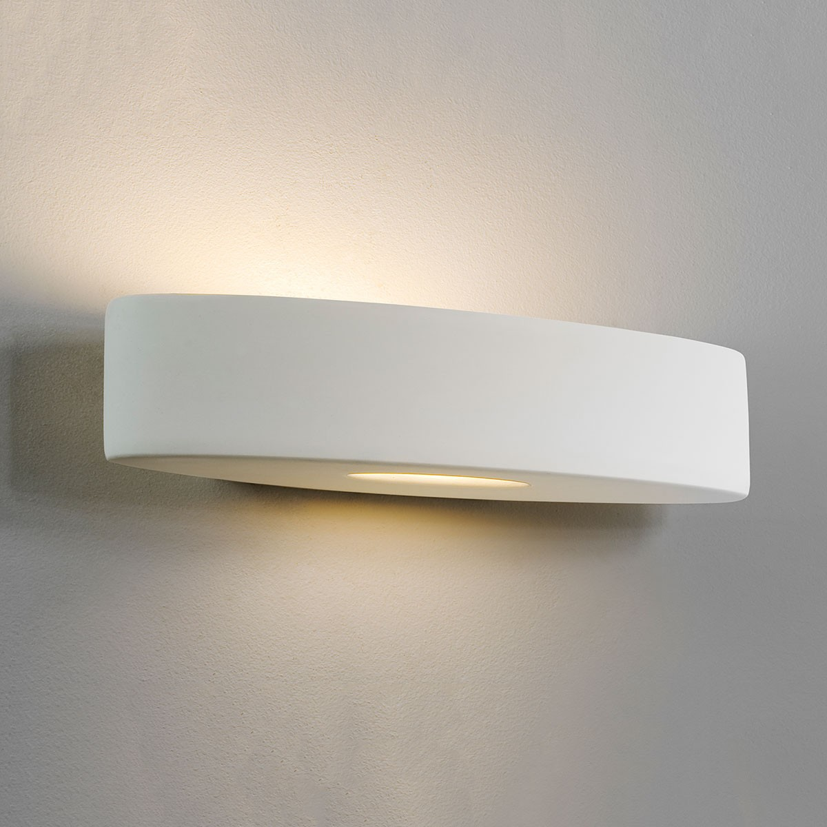 Astro Ovaro Plus 420 Ceramic Wall Light at UK Electrical Supplies.