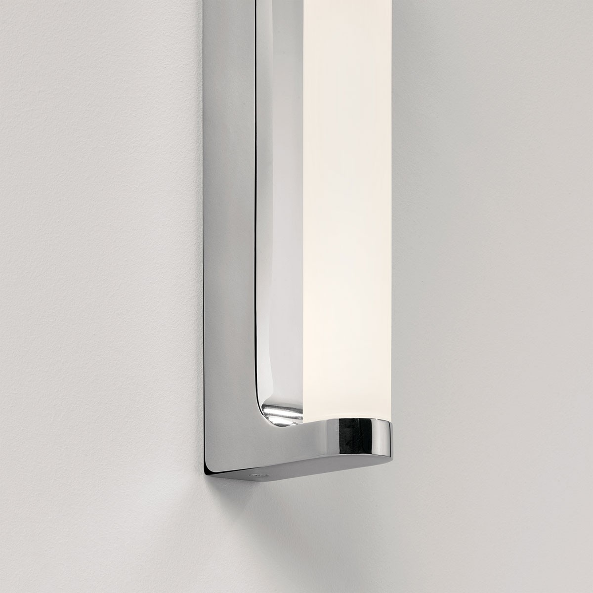 Led Bathroom Wall Lights Uk: Astro Avola Polished Chrome Bathroom LED Wall Light At UK