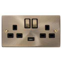 Click Deco Victorian Antique Brass 2 Gang 13A Single Pole Ingot Switched Socket with Black Insert and USB Outlet