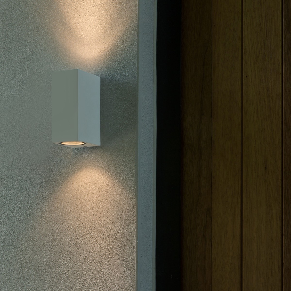 Wall Lights In White : Astro Chios 150 White Outdoor Wall Light at UK Electrical Supplies.