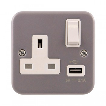 Click Metal Clad 13A 1 Gang Switched Socket with USB Outlet