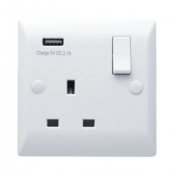 Hamilton Vogue 13A 1 Gang Double Pole Switched Socket with USB Power Outlet