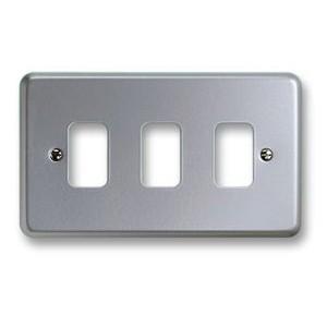 MK Electric Metalclad Plus™ 3 Module Grid Plate