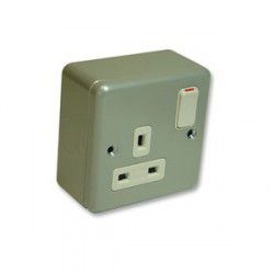 MK Electric Metalclad Plus™ 13A 1 Gang Double Pole Switched Socket