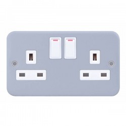 Selectric Metal Clad 2 Gang 13A Switched Socket