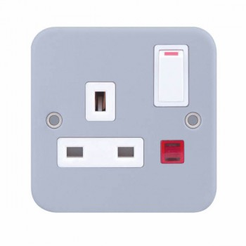 Selectric Metal Clad 1 Gang 13A Switched Socket with Neon