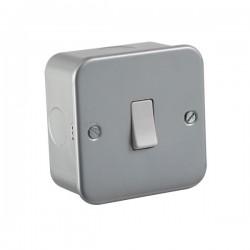 Knightsbridge Metal Clad 10A 1 Gang Intermediate Switch
