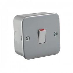 Knightsbridge Metal Clad 20A DP Switch