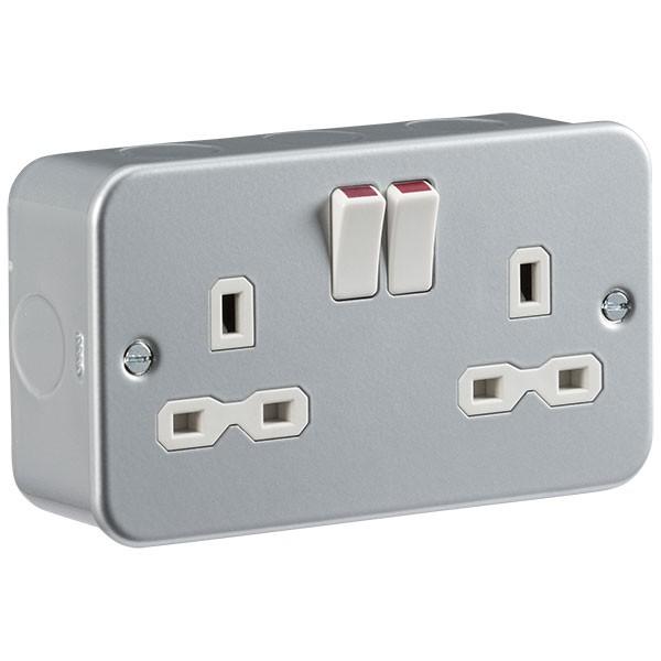 Knightsbridge Metal Clad 13a 2 Gang Dp Switched Socket